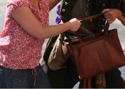 Pronađena ukradena torba