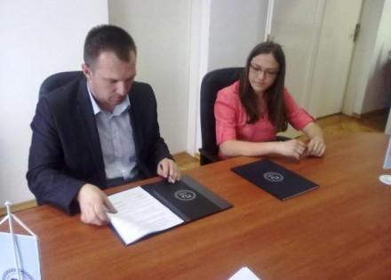 Koordinator projekta Saša Marković i predsjednica Parlamenta studenata Jovana Novaković