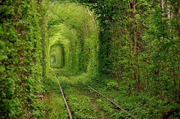 Mesta na Zemlji sa vanzemaljskim izgledom Tunel-ljubavi