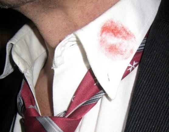 poljubac-kosulja