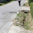 AL6n-na-petricevcu-ulicama-cesto-teku-fekalije.jpg