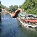 CKP6-ljeto-na-vrbasu-poceli-tradicionalni-skokovi-sa-gradskog-mosta.jpg