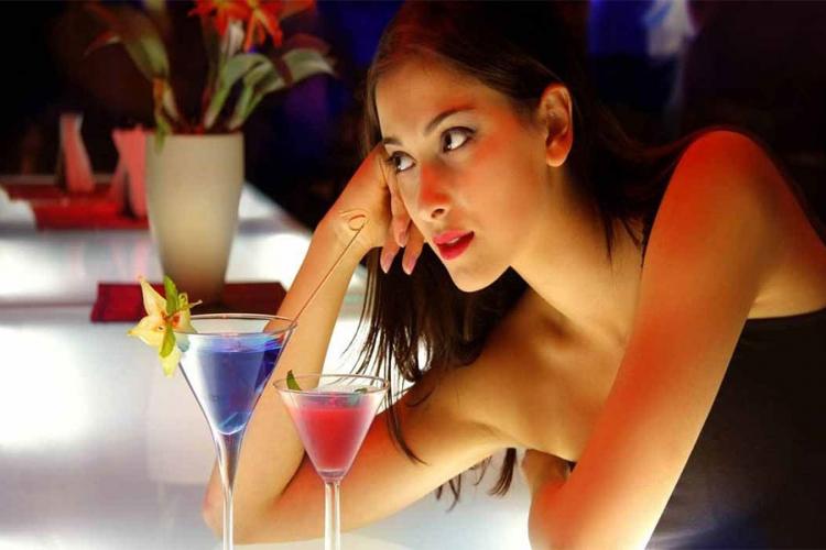 Ženski trikovi kojima muškarci ne mogu da odole