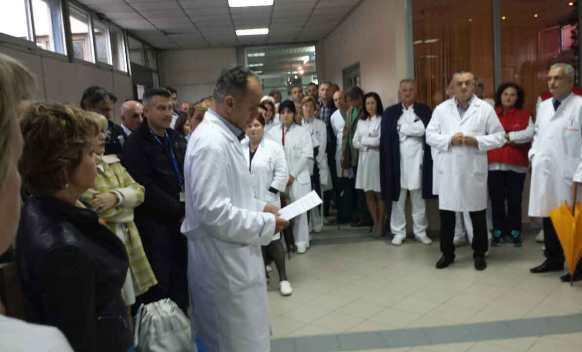 Zdravstveni radnici spremaju štrajk, traže povećanje plate za 25 odsto