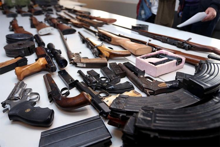 Švedski novinari u Banjaluci istraživali šverc oružja iz BiH