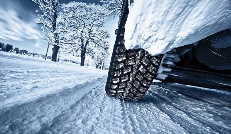 Prvi snijeg i led na putu: Šta znati, šta raditi, šta ne raditi