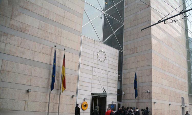 Njemačka ambasada upozorava: Ne angažujte agencije za zakazivanje termina