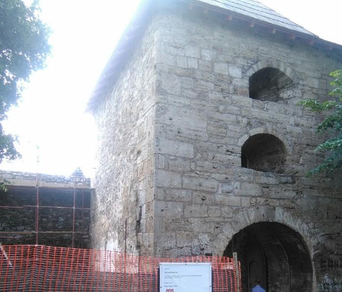 Obnovljena ulazna kula na tvrđavi Kastel (Foto)