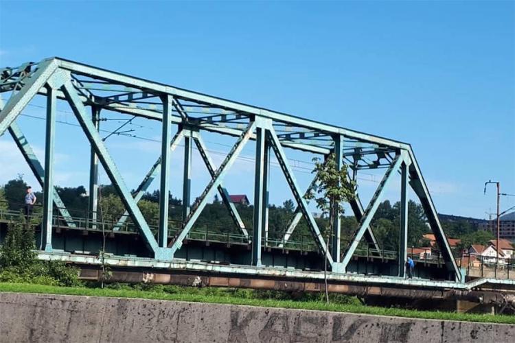 Policija spasila muškarca koji je prijetio skokom sa mosta u Zenici