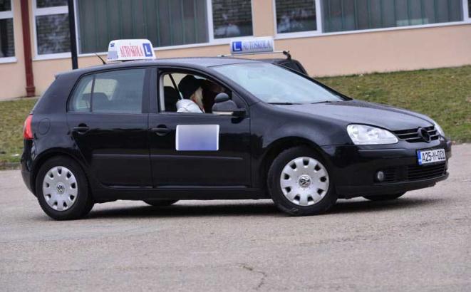 Budući vozači na ispitu pred kamerama