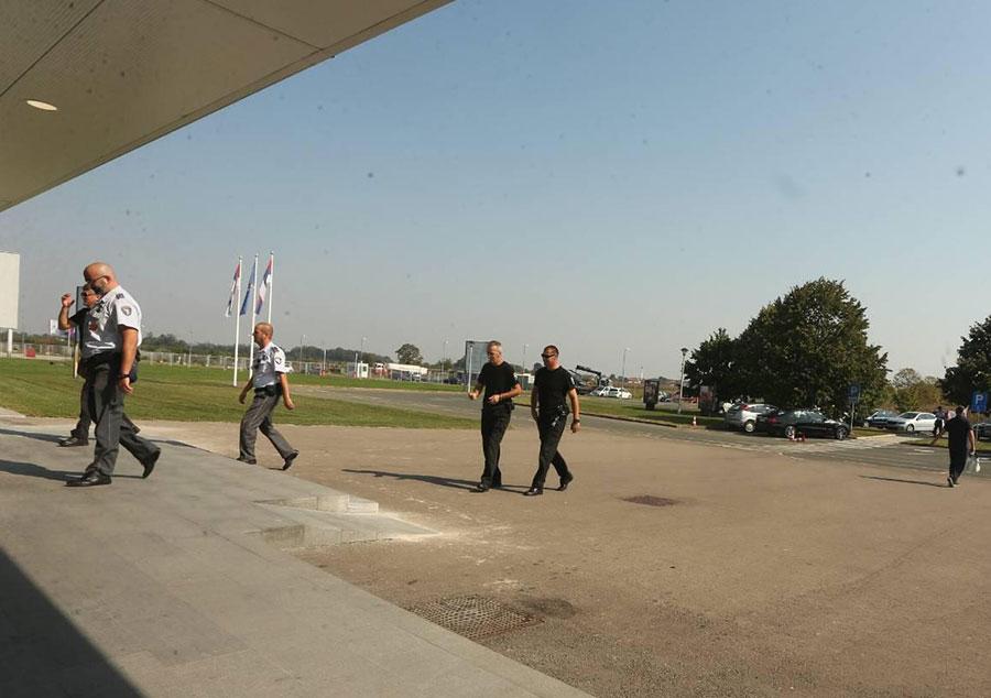 """Ruske službe već sedam dana """"češljaju"""" svaki ćošak banjalučkog aerodroma"""
