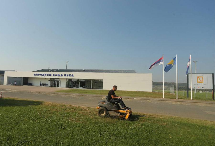 Posljednje pripreme na banjalučkom aerodromu pred dolazak Lavrova (Foto)