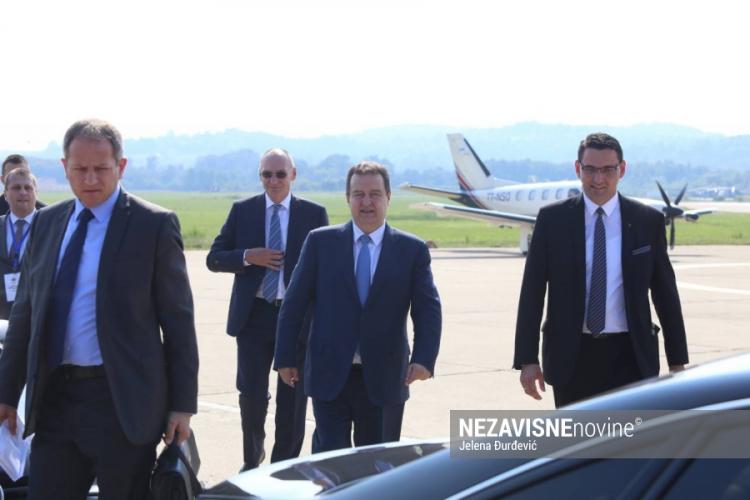 Ivica Dačić stigao na banjalučki aerodrom (Foto)
