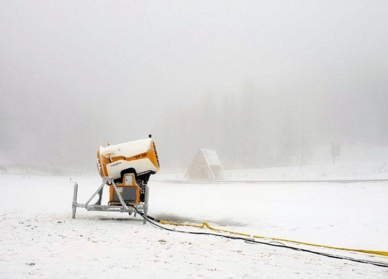 Na Jahorini počela proizvodnja vještačkog snijega, u toku osnježavanje staze Poljice